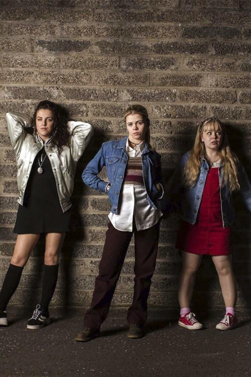 دانلود سریال Derry Girls